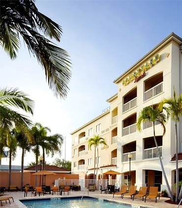 courtyard-marriott-west-palm-beach-airport